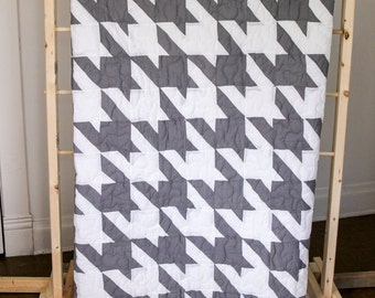 White and Gray Houndstooth Piece Quilt