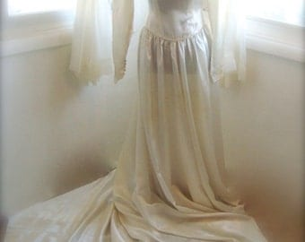 Wedding Dress, Stunning 1930's Ivory Liquid Satin Wedding Gown With Cathedral Train, Size Small