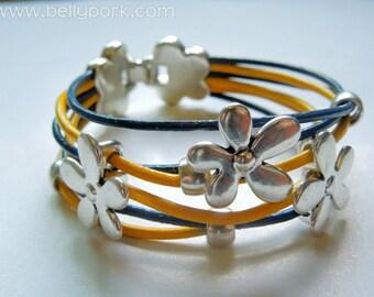 Leather bracelet, leather cuff, flowers bracelet, flowers cuff, yellow cuff, blue cuff, leather flower, flower bead, flowers jewelry