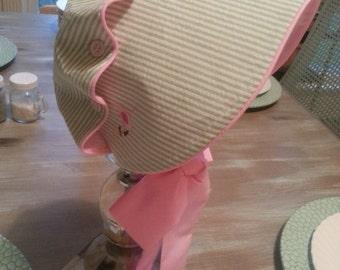 Button Bonnet