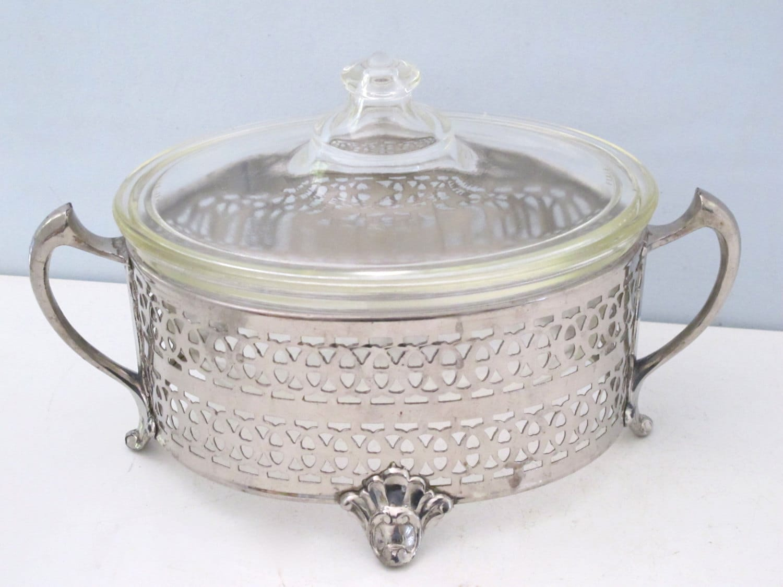 vintage pyrex glass oval serving dish with lid in j mara. Black Bedroom Furniture Sets. Home Design Ideas
