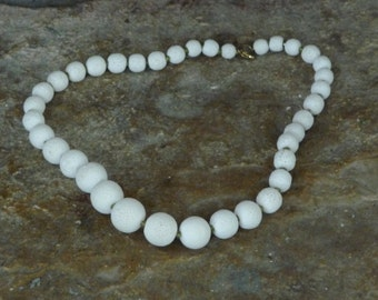 Natural White Sponge Coral Necklace with Olivine Green Beads