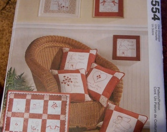McCalls 3554 Craft pattern for pillows, pictures lap quilt