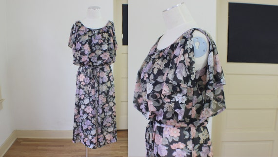 Gatsby Summer Dress / Floral 1970's Women's Wear / Vintage Dress