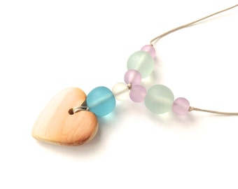 Teething Necklace - Aphrodite Nursing Necklace - Breastfeeding Necklace - Juniper Heart - Pastel Colors - Pale Green, Blue, Lilac