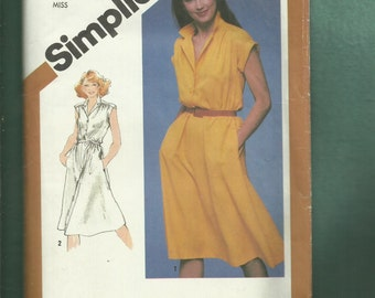 Vintage 1980's Simplicity 5122 Retro Cap Sleeve Flared Dress with Front Button Bodice Size 10 UNCUT