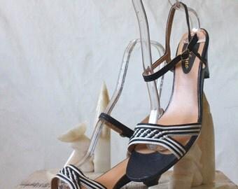Vintage 70's Navy Milano Heel Sandals Sz 9