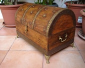 vintage/antique,wooden & brass,heavy,Indian domed treasure chest,old box/trunk brass feet/embellishments