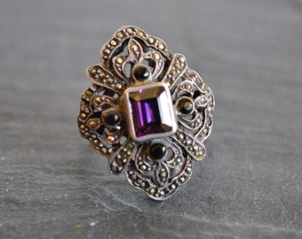 VINTAGE sterling silver MARCASITE PURPLE onyx ring