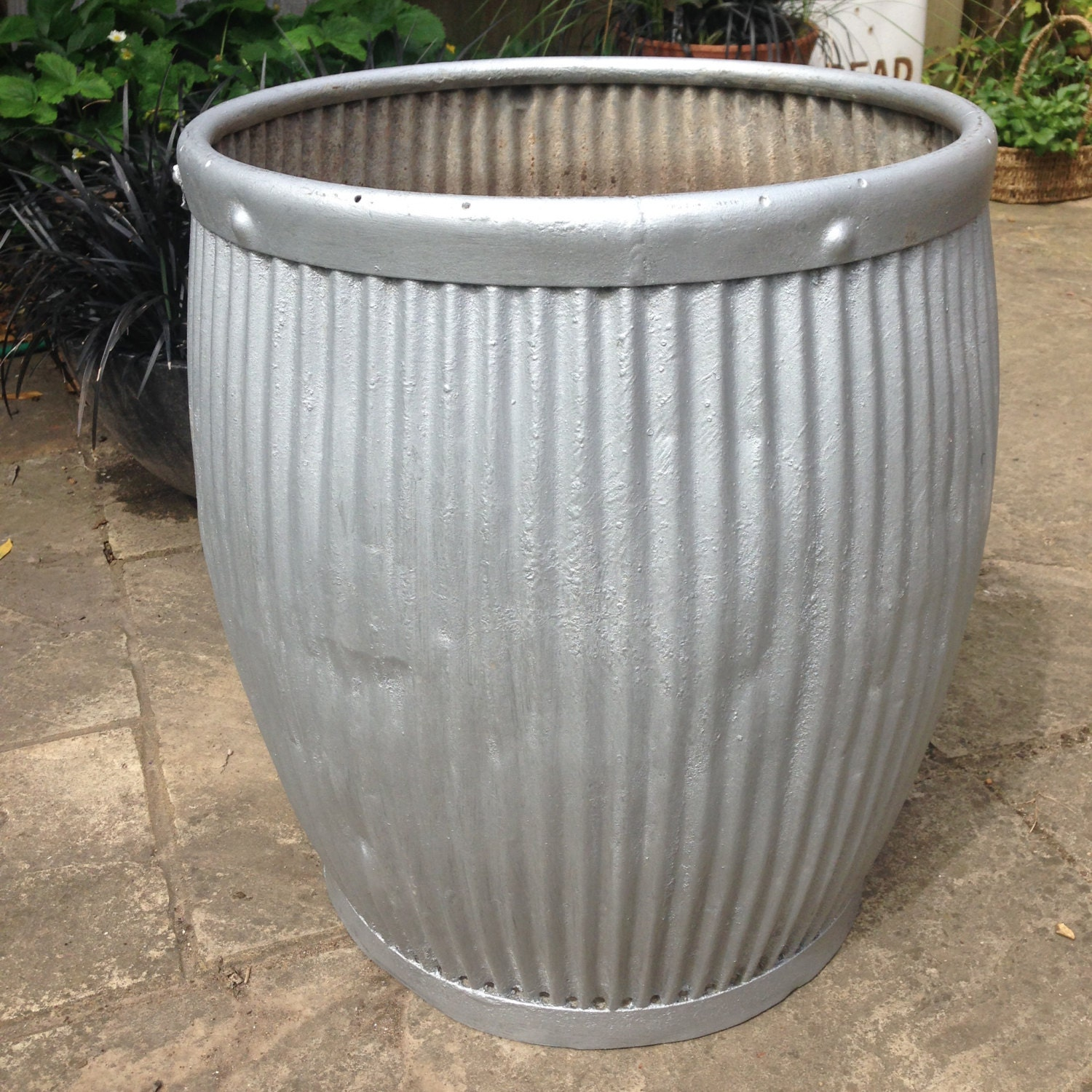 dolly tub wash tub vintage planter large plant pot plant