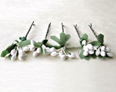 White Pip Berry Bobby Pins. Wild Bohemian Floral Hair Pin Accents for Botanical Woodland Garden Wedding. Rustic Wedding Hair Accessories.