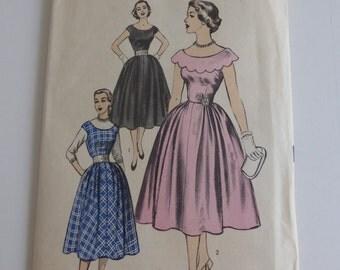 Vintage Advance Pattern 6297  Junior Size 9 Party Dress or Jumper Unprinted