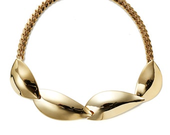 Further REDUCTION was 225 now 95 gorgeous vintage 70's/80's ESCADA gold leaf panel choker chain necklace