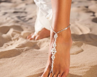 Barefoot sandals wedding Beaded Barefoot sandals Bridal foot jewelry Crystal and Pearl Beach wedding Barefoot Sandals Bridal accessory Shoes