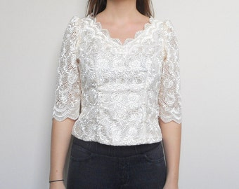 ON SALE Vintage Wedding Blouse// Off-White shirt // Lacy floral // Size Medium