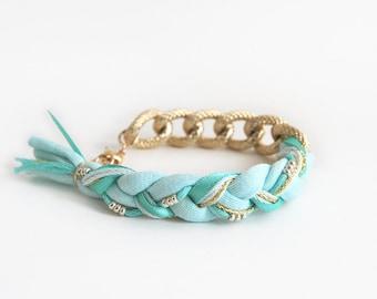 Mint bracelet with chunky chain, mint bohemian braided bracelet, chunky chain bracelet, ethno bracelet