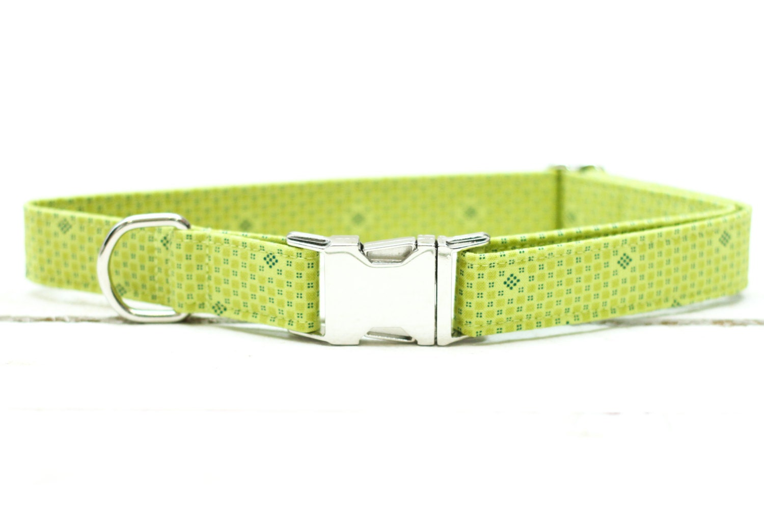 Dog collars and leashes may not be the most glamorous accessories in the canine.