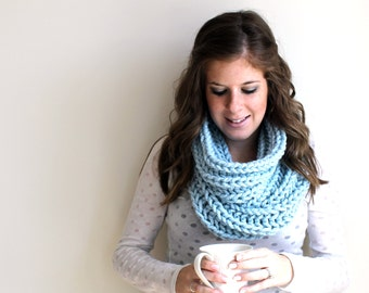 Knit Scarf Chunky Cowl Glacier- Annapolis Cowl