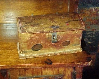 Antique c 1830 Miniature Erzgebirge Painted Box, Wire Hinges, Latch, Doll House Trunk