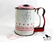Small Vintage Flour Sifter, Retro Kitchen Decor, Shabby Red Kitchen Decor, Retro Baking Collectible