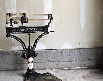 Stunning Vintage Fairbanks Scale & Vintage Brass Chatillons Spring Balance Scale - Farm House Decor - Cast Iron Scale - Primitive