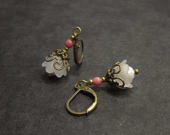 "Bronze vintage style white rose Earring ""Cherry blossom"""
