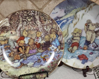 TWO (2) Susan Anderson~Bear Feats Collector Plates~ Teddy Bear Picnic (1st Ed) and On The Beach (2nd Ed)