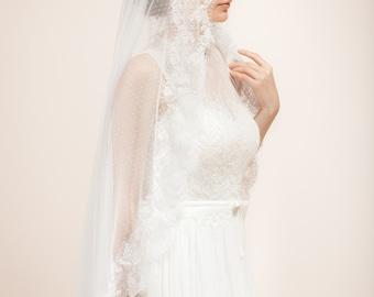 Swiss dot veil, polka dot veil, dotted veil with lace trims, lace bridal veil, bridal mantilla veil -- Style 319
