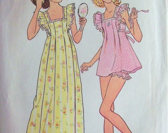 Vintage 1976 Sewing Pattern Simplicity 7354 Nightgown and Panties