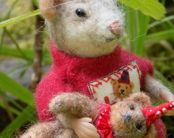 """Mouse with teddy-bear, felted doll, felted animals, wool doll, 4"""""""