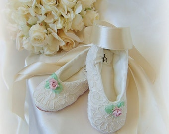 Lace Flower Girl Shoes,Lace Ballerina Flower Girl Flats,Custom Flower Girl Shoes,Lace First Communion Shoes,Flower Girl Shoes withPink Roses