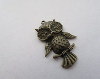 Owl Charm Pendant,Antique Bronze Owl Charm Pendant,Pendant