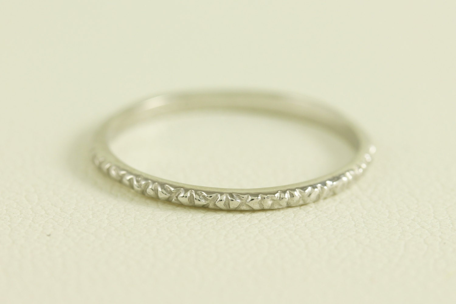thin platinum wedding band ring antique deco styled