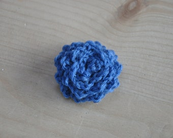 Small cornflower blue crochet flower brooch
