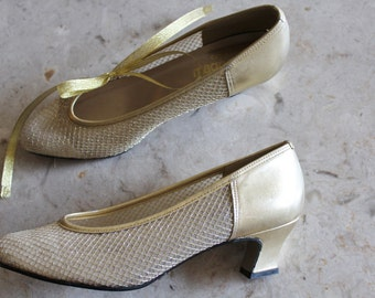 Vintage 70's 80's Gold Metallic LEATHER Sheer Mesh Kitten Heels Wedge Pumps Shoes MAGDESIANS CALIFORNIA