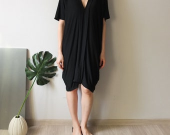 V-neck design tencel cotton knee-length cocoon dress