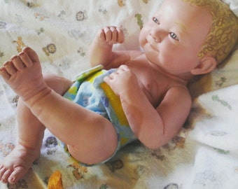 Adjustable and Reversible Doll Diaper!