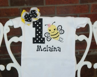 2 pc. Bee Birthday Shirt and Hair Bow! Baby Girl Bee Birthday Shirt! Bumble Bee Birthday bodysuit/First birthday outfit/Bee birthday outfit