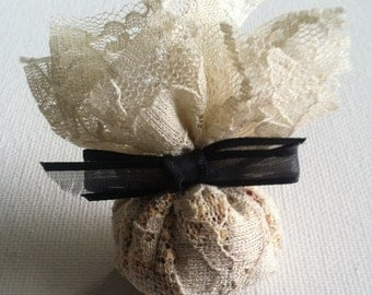 Hand Made Wedding Favor Lace Bird Seed Bags - Pack of 25