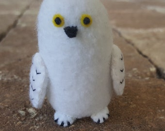 Plush snowy owl, felt snowy owl plush, snowy owl toy, plush owl, felt owl, made to order