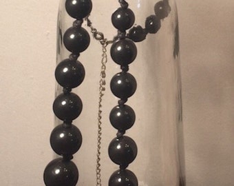 1980s black beaded necklace