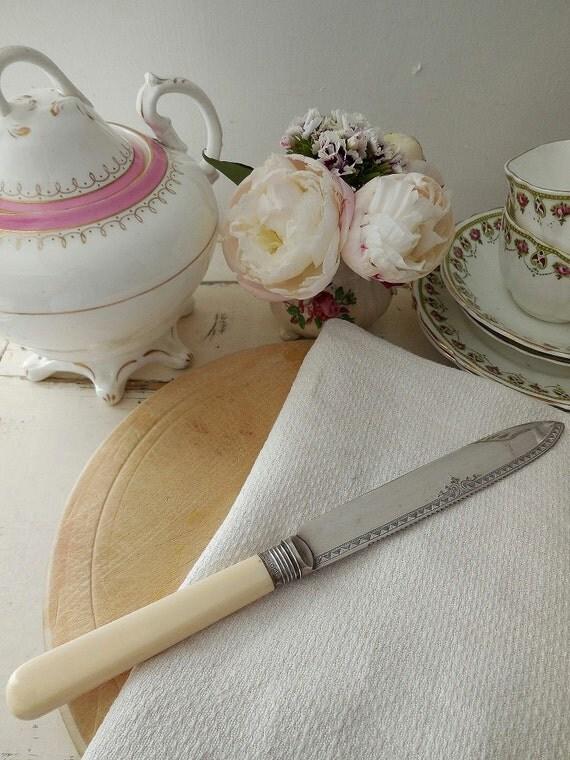 Long Serrated Cake Knife Uk