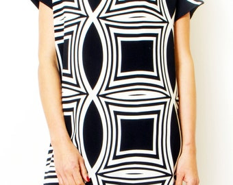 Wavy Black and White Loose dress Maternity Oversized Tunic Dress Summer day dress with V neck.