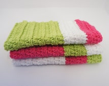 wash cloth pink, green and white. Knit, crochet, 100% cotton . Made by hand. Baby, child, face, dish