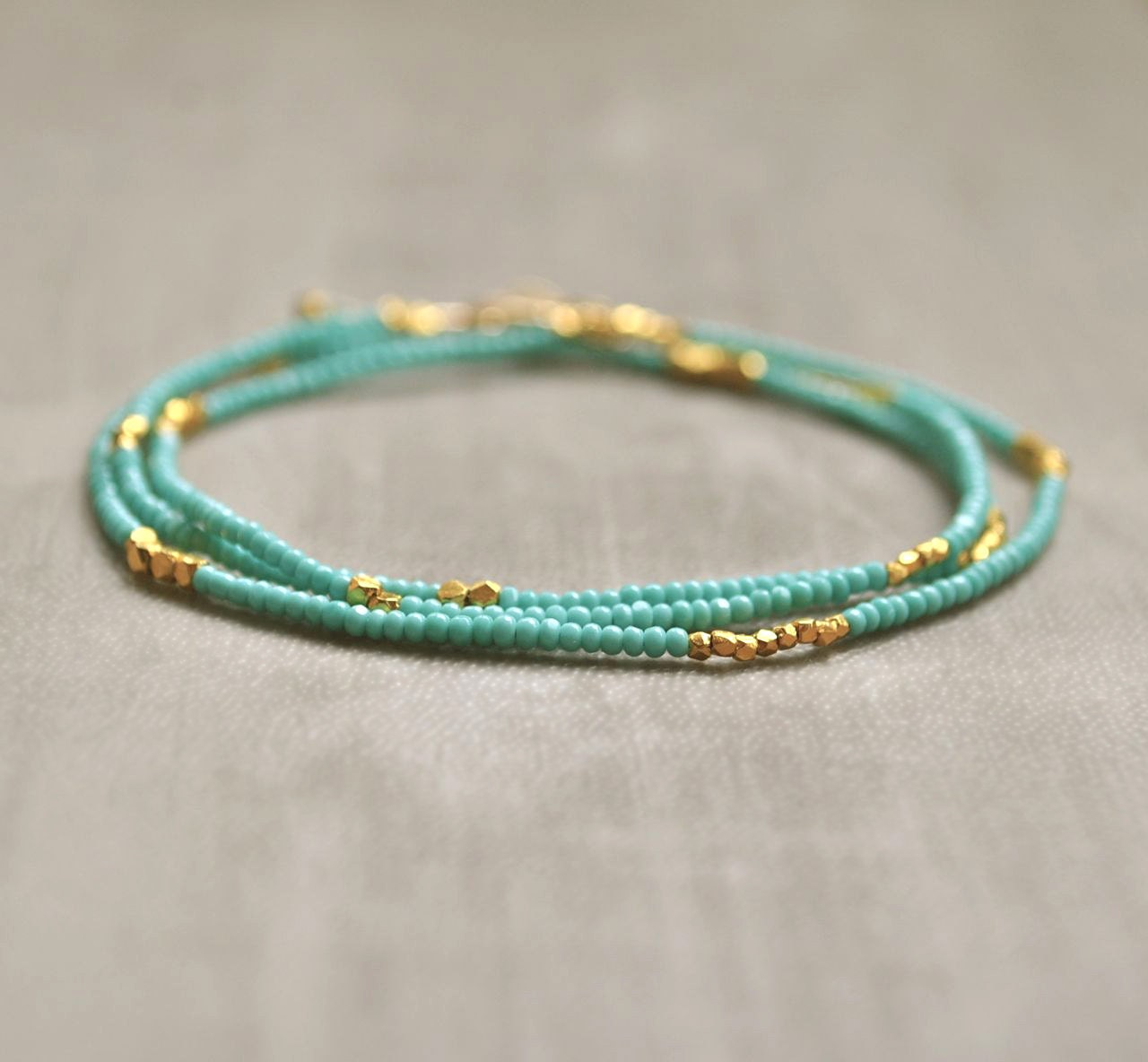 turquoise seed bead necklace bracelet with gold by flowdesigns. Black Bedroom Furniture Sets. Home Design Ideas