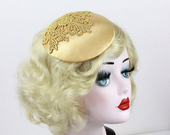 Women's Gold Lace Cocktail Hat - Bridal Fascinator - Mother of the Bride - Wedding Headpiece - Prom Hair Accessory - Gilded Age