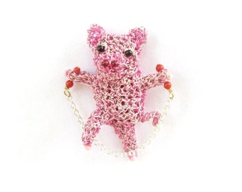 Skipping pig brooch - pig jewelry, cute animal, crochet wire, piglet brooch, gift idea, pink jewelry, little pig, animal pin, modern jewelry