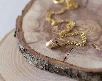 Acorn Charm Necklace. Acorn Pendant Necklace. Woodland Necklace. Forest Necklace. Gold Charm Necklace.