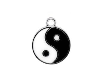 5 Black and White Yin Yang Charms in Silver Tone - C2151