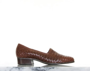90s Woven Brown Leather Loafers / Slip On Shoes / Women's Size 7 US - 5 UK - 37/38 Eur